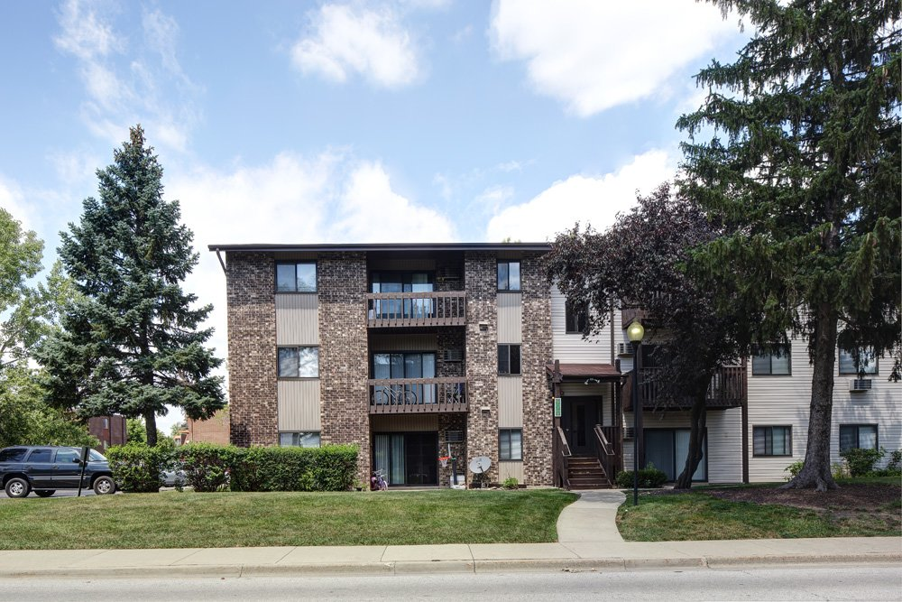 Apartments for rent in vernon hills emerald pointe for Aroma indian cuisine vernon hills